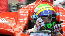 Alonso worked to simplify Ferrari steering wheel