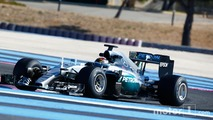 Mercedes tests 2017 Pirelli F1 tires