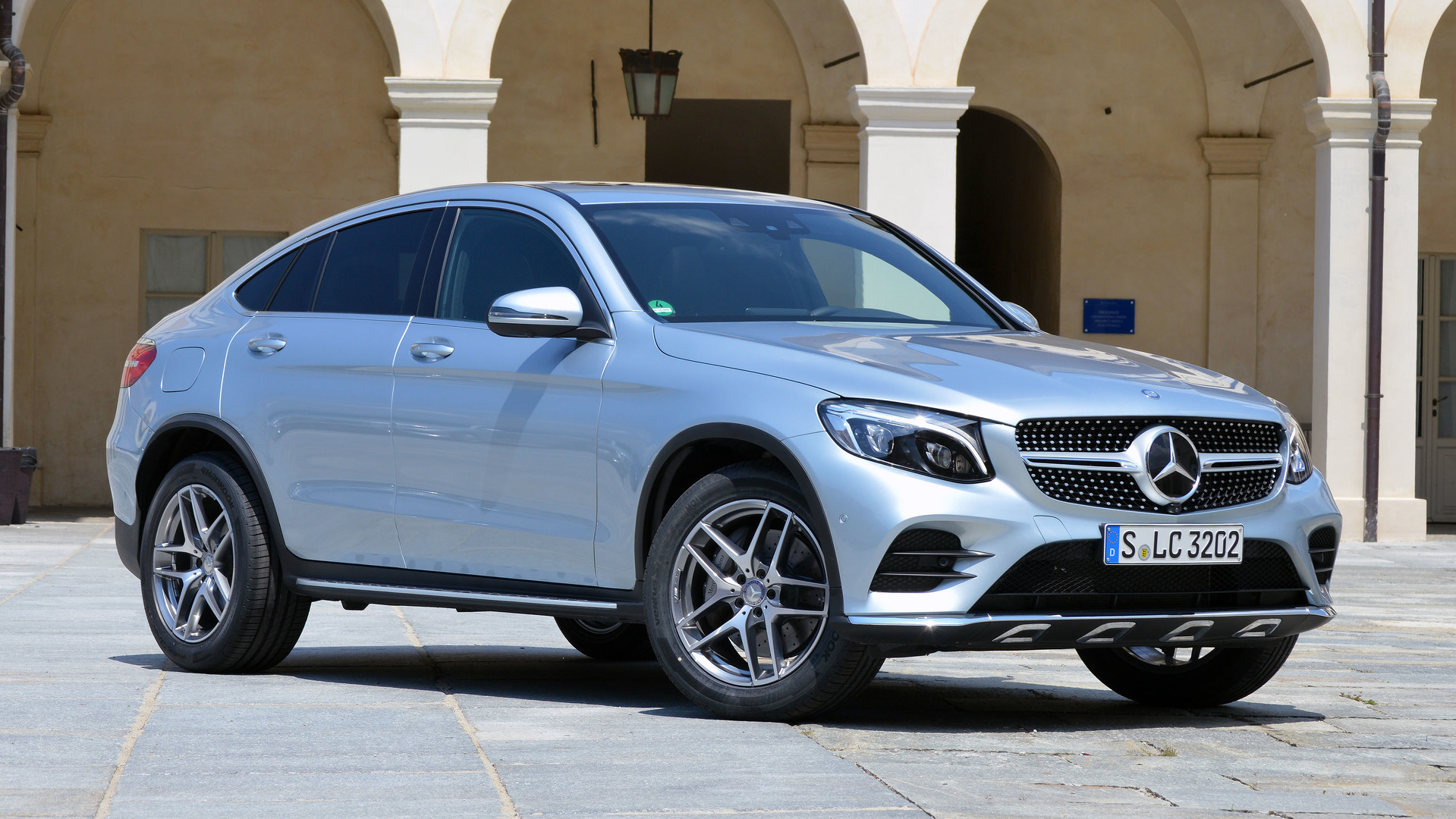 First drive 2017 mercedes benz glc300 coupe for Mercedes benz glc300 coupe