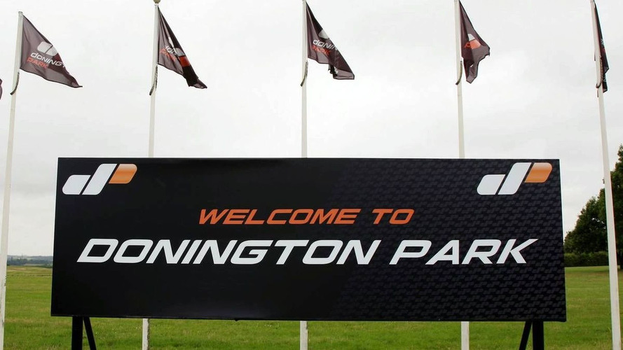 Ecclestone extends Donington's F1 deadline