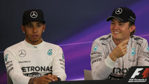Hamilton's comments on Rosberg 'a joke' - Wolff