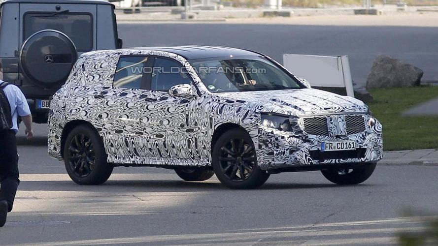 2015 Mercedes GLK spied undergoing testing