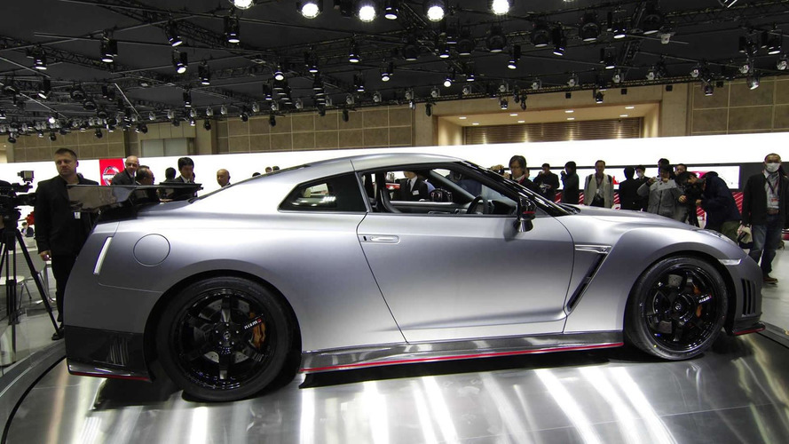 Nissan GT-R Nismo powers into Tokyo with 600 HP