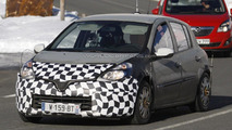 2013 Renault Clio mule spied with new details