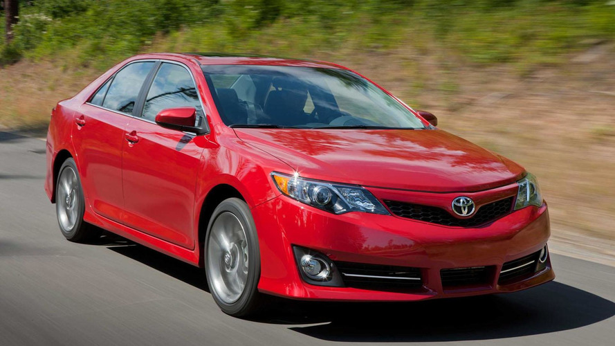 2015 Toyota Camry facelift to debut in New York - report