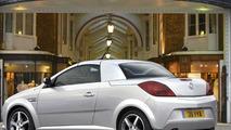 Vauxhall Tigra Exclusiv Red Edition (UK)