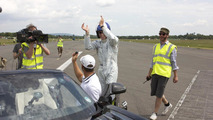 Mercedes SLS AMG Roadster world record golf ball catch 21.06.2012