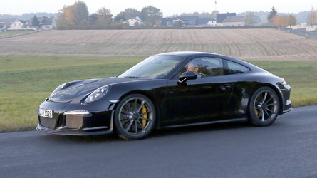 Possible 2016 Porsche 911 R spied for the first time