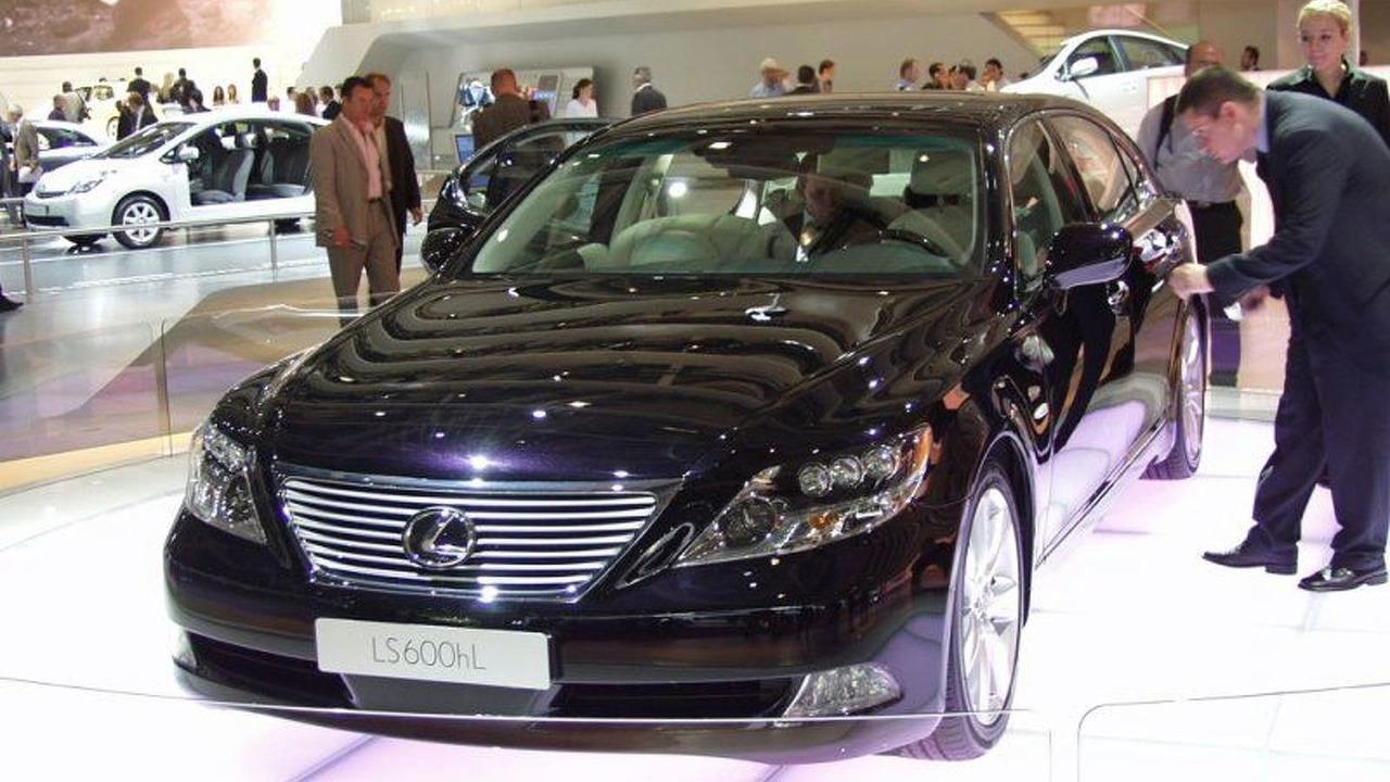 Lexus LS600h at Paris