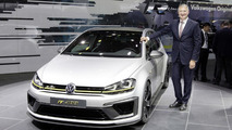 Volkswagen Golf R 400 live at Auto China