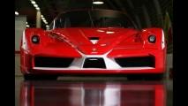 Ferrari FXX Evoluzione - V12 de 873 cavalos