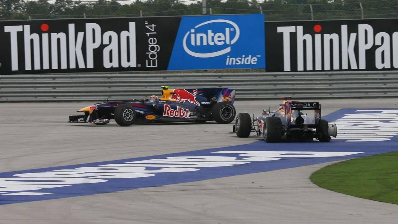 Mark Webber (AUS), Red Bull Racing and Sebastian Vettel (GER), Red Bull Racing - fight for place, Turkish Grand Prix, 30.05.2010 Istanbul, Turkey