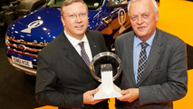 Paul Randle (left) of Ford Global, accepts International Pick-Up Award 2013
