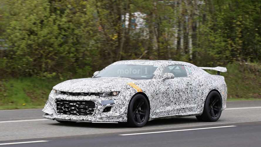 Chevrolet Camaro Z/28 spy photos