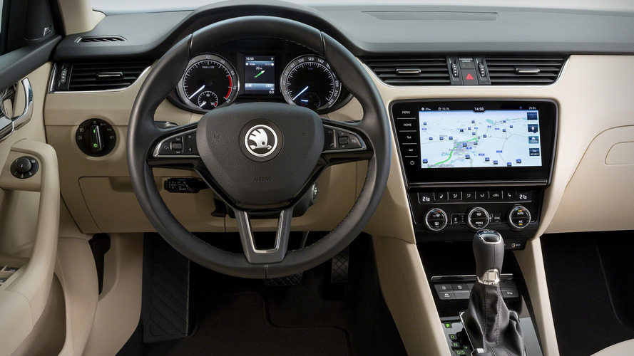 Skoda Octavia facelift shows off bounty of new tech