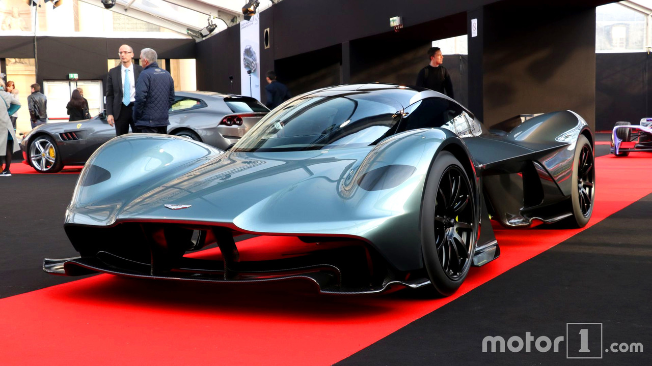 aston martin am rb 001 will rock a cosworth 6 5 liter v12 engine. Black Bedroom Furniture Sets. Home Design Ideas