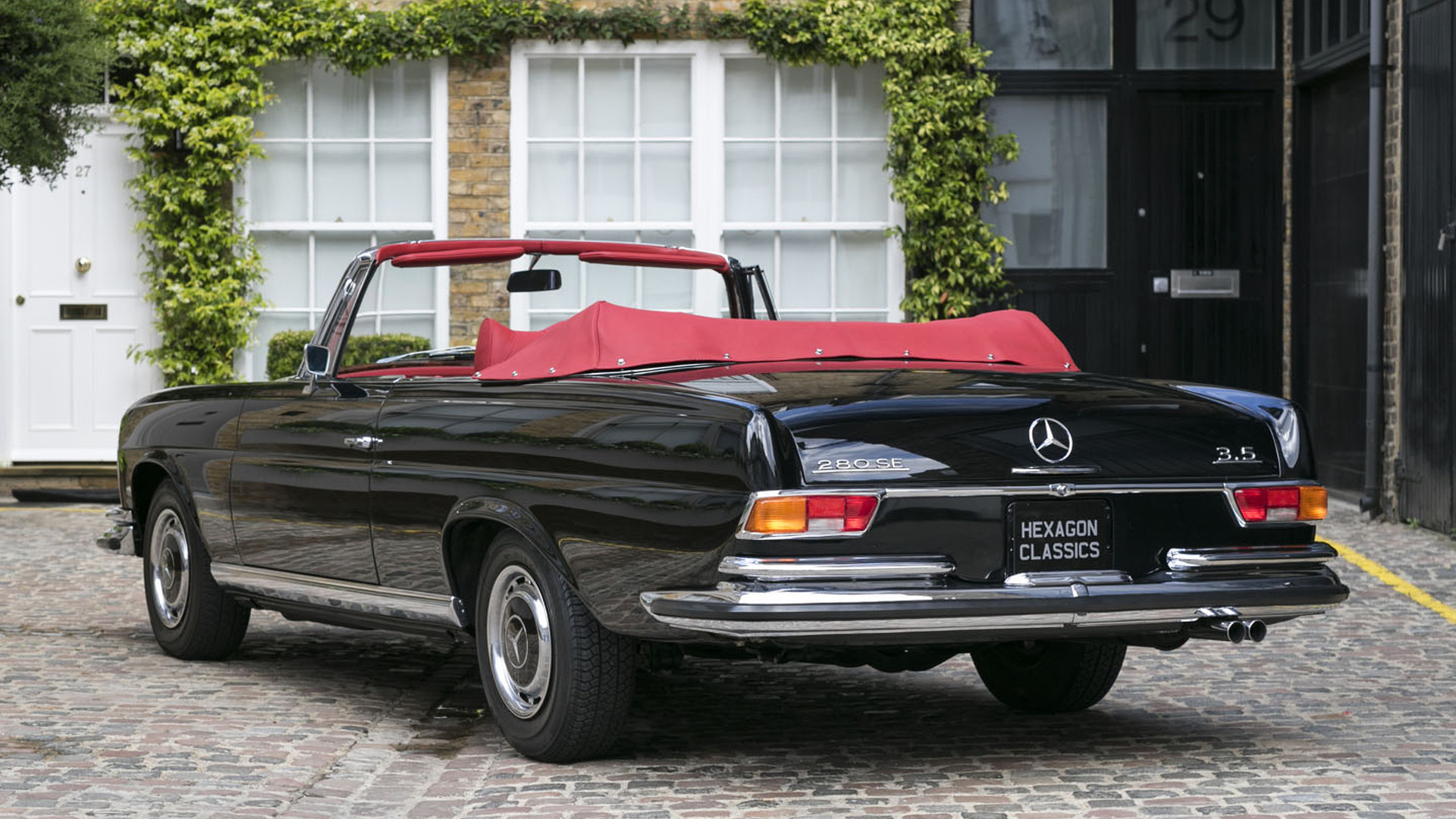 rare and lovely rhd 1970 mercedes 280 se 3 5 cabriolet for sale. Black Bedroom Furniture Sets. Home Design Ideas