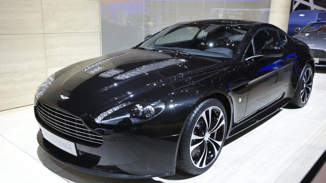 Aston Martin V12 Vantage Carbon Black Edition in Geneva