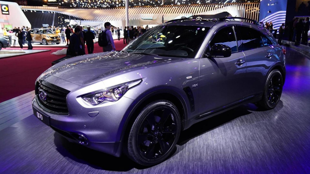 Infiniti QX70 S Design live in Paris