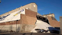Several cars at Acura dealership in Chicago covered in salt after wall collapses