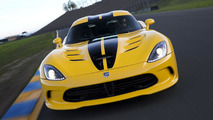 SRT Viper hits the drag strip [video]