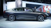 2015 Chrysler 200 live in Detroit