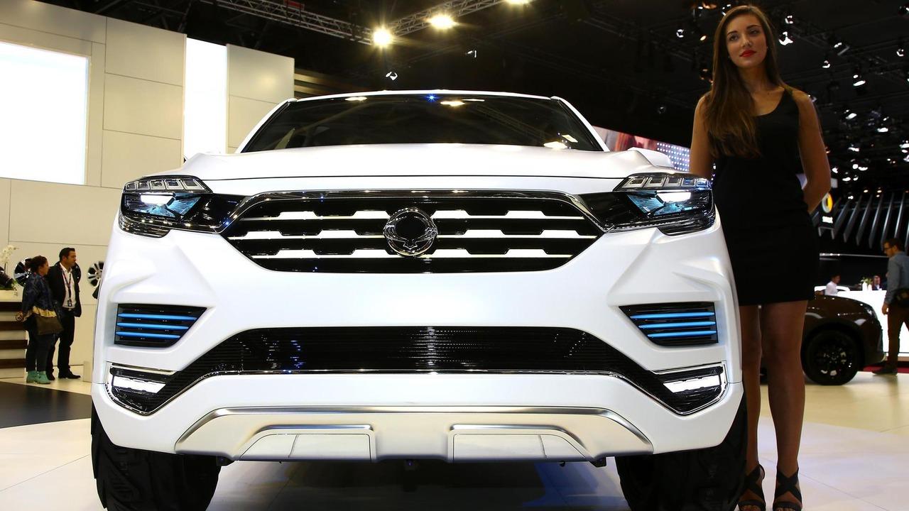 Ssangyong LIV-2 SUV concept Paris Motor Show