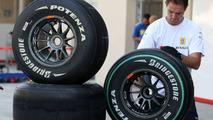 Bridgestone - no comment on Michelin, tyre war rumours