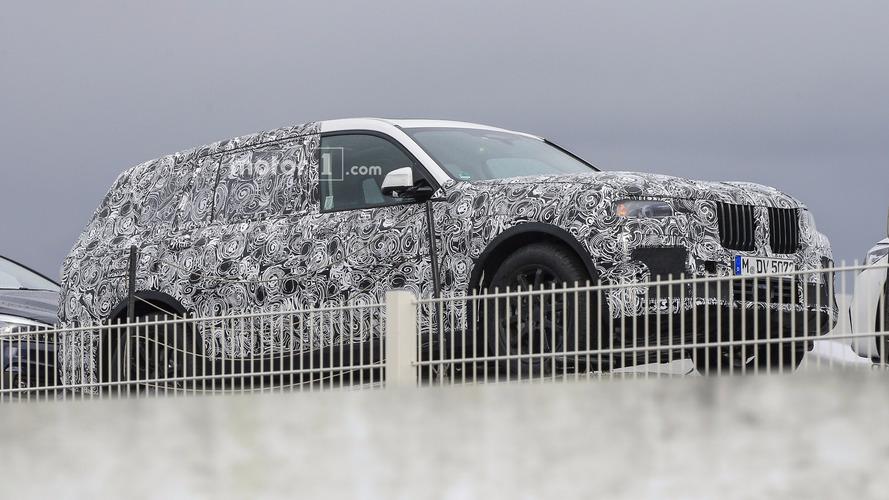2019 BMW X7 spy photos