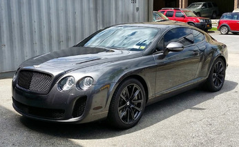 NY Rangers Goalie Henrik Lundqvist Rides to Work in Serious Supercars