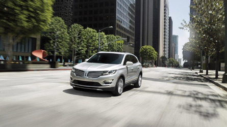 2016 Lincoln MKC unveiled with a new SYNC 3 infotainment system