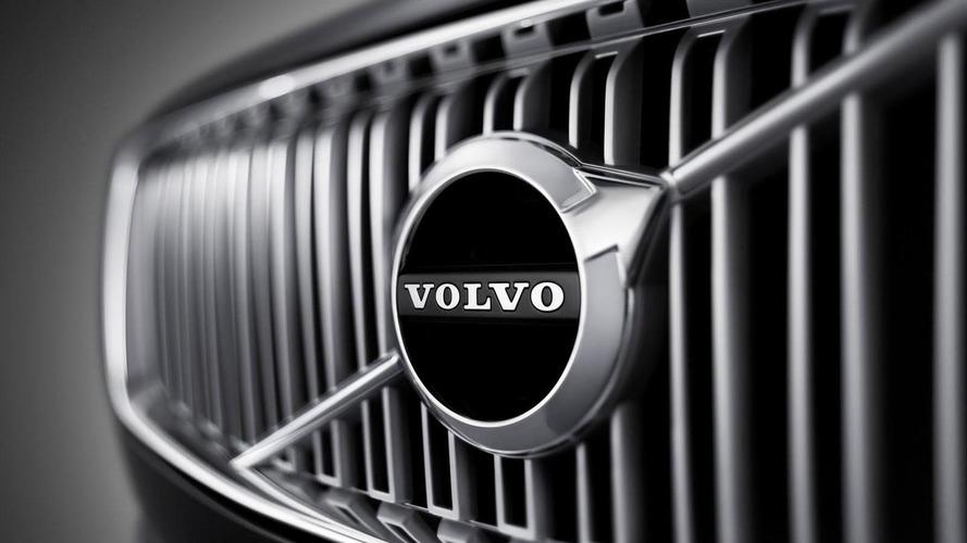 2016 Volvo S90 comes into focus