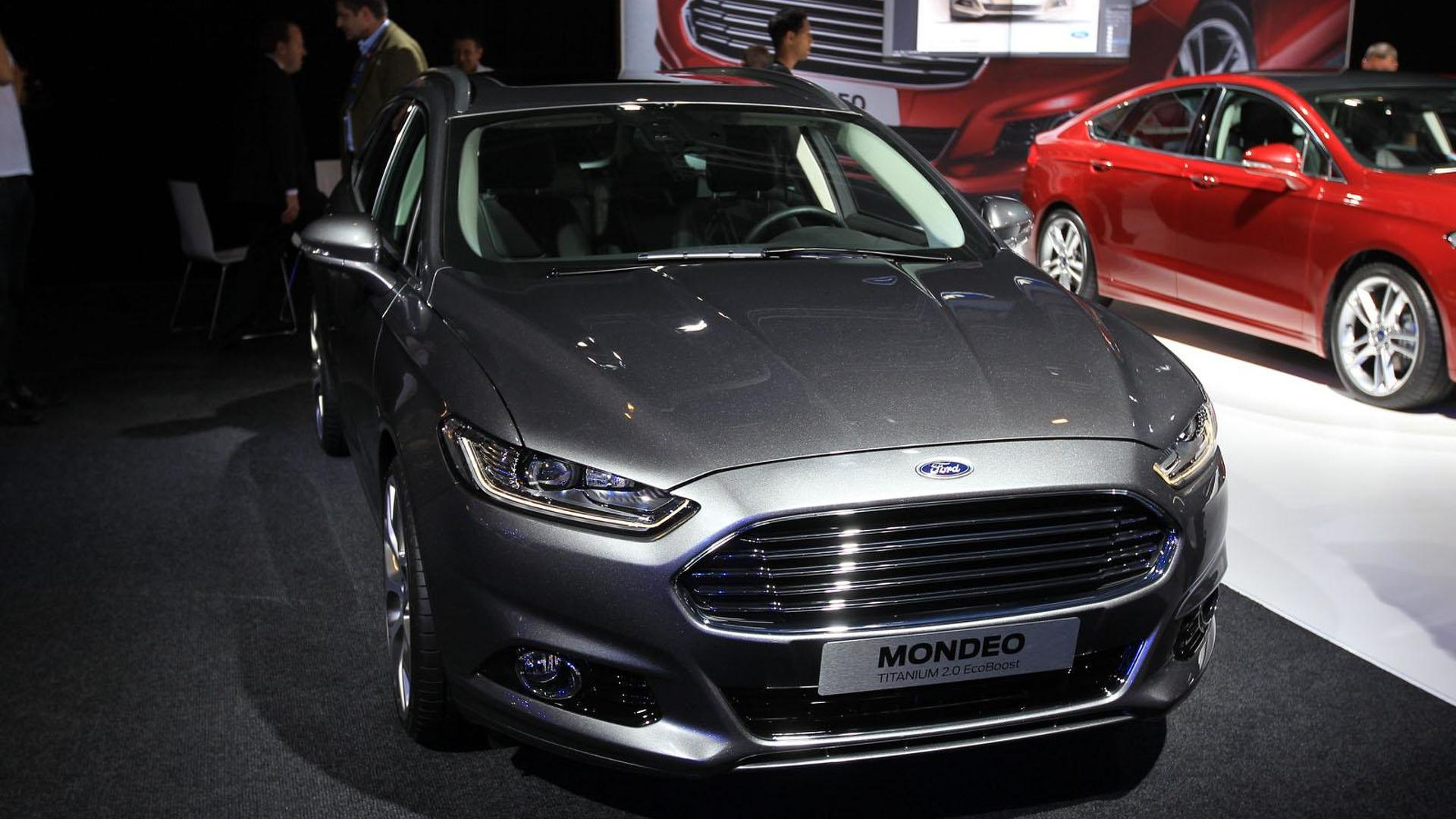 2013 Ford Mondeo rolls into Paris