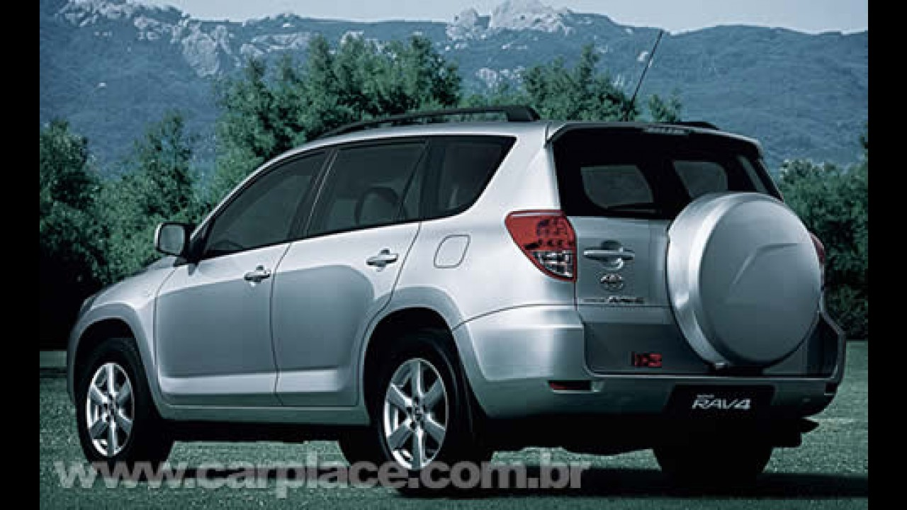 Toyota celebra 15 anos do lançamento mundial do utilitário esportivo RAV4