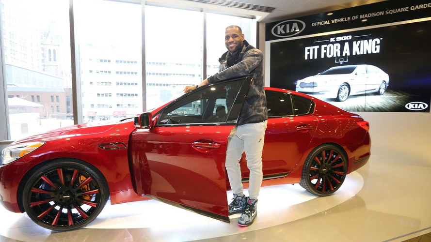 One-off Kia K900 King James Edition going up for auction