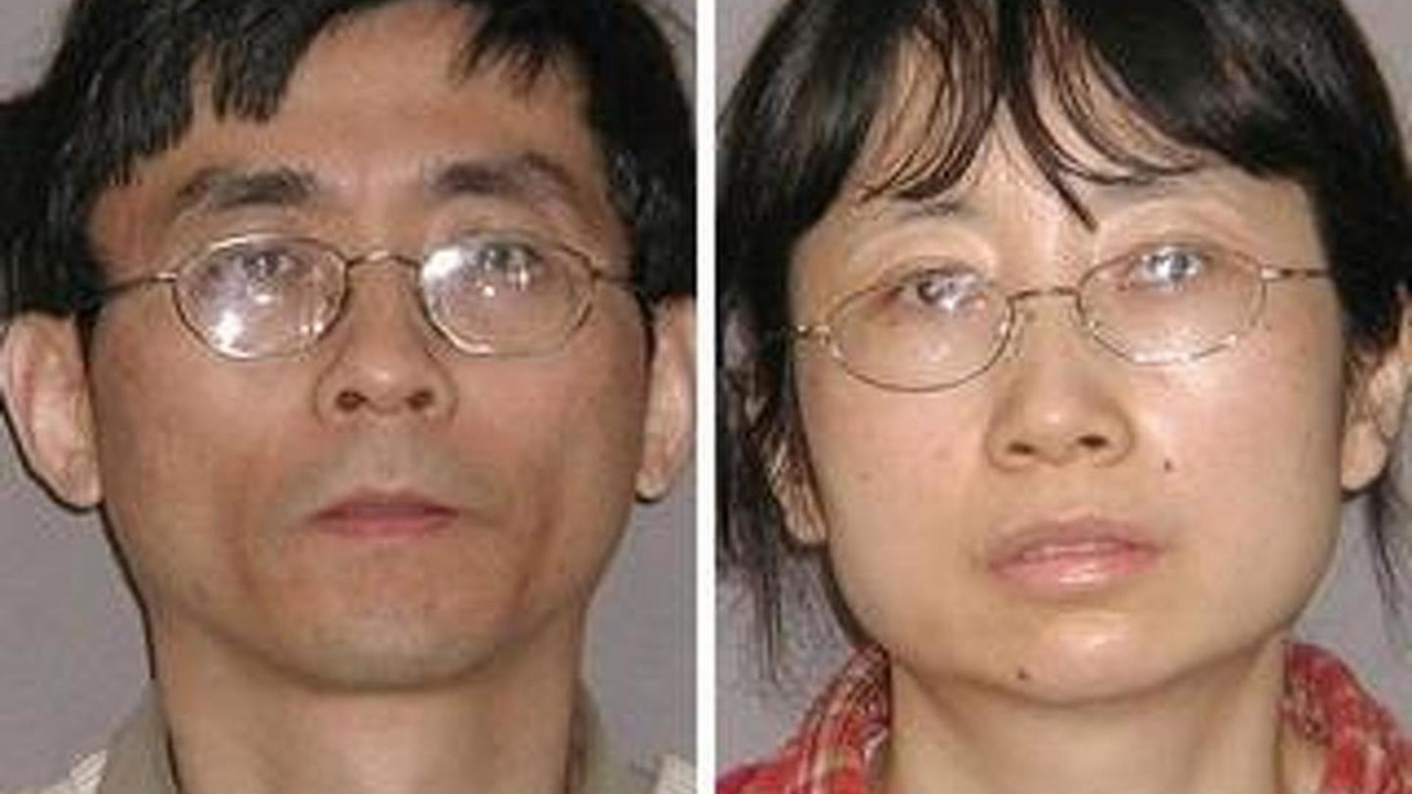 Yu Qin, 49, and his wife, Shanshan Du, 600, 23.07.2010
