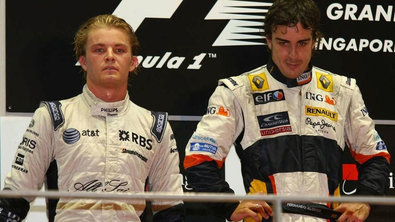 Nico Rosberg (GER) 2nd place, Fernando Alonso (ESP) 1st place, Singapore Grand Prix, Singapore City, Singapore, 28.09.2008
