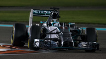 Mercedes, McLaren to change colours in 2015 - report