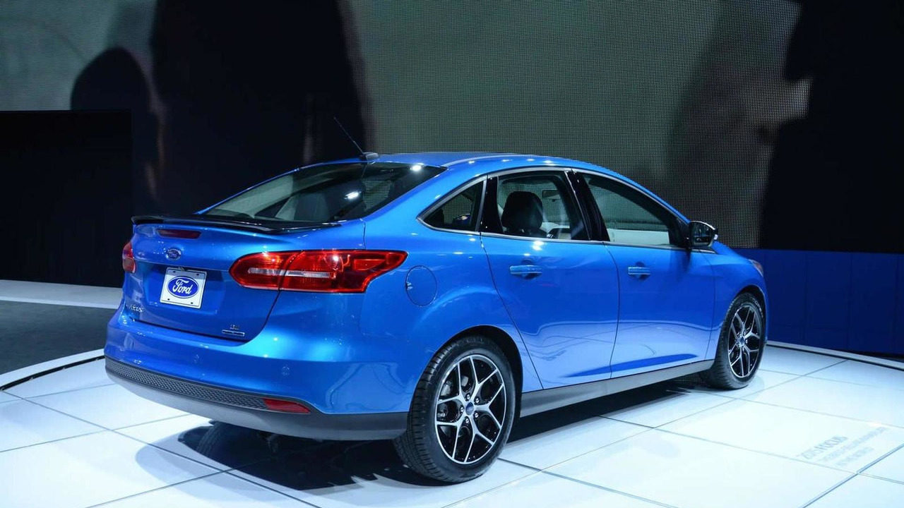 2015 Ford Focus Sedan facelift at 2014 New York Auto Show