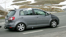 VW Golf Plus Facelift Spy Video