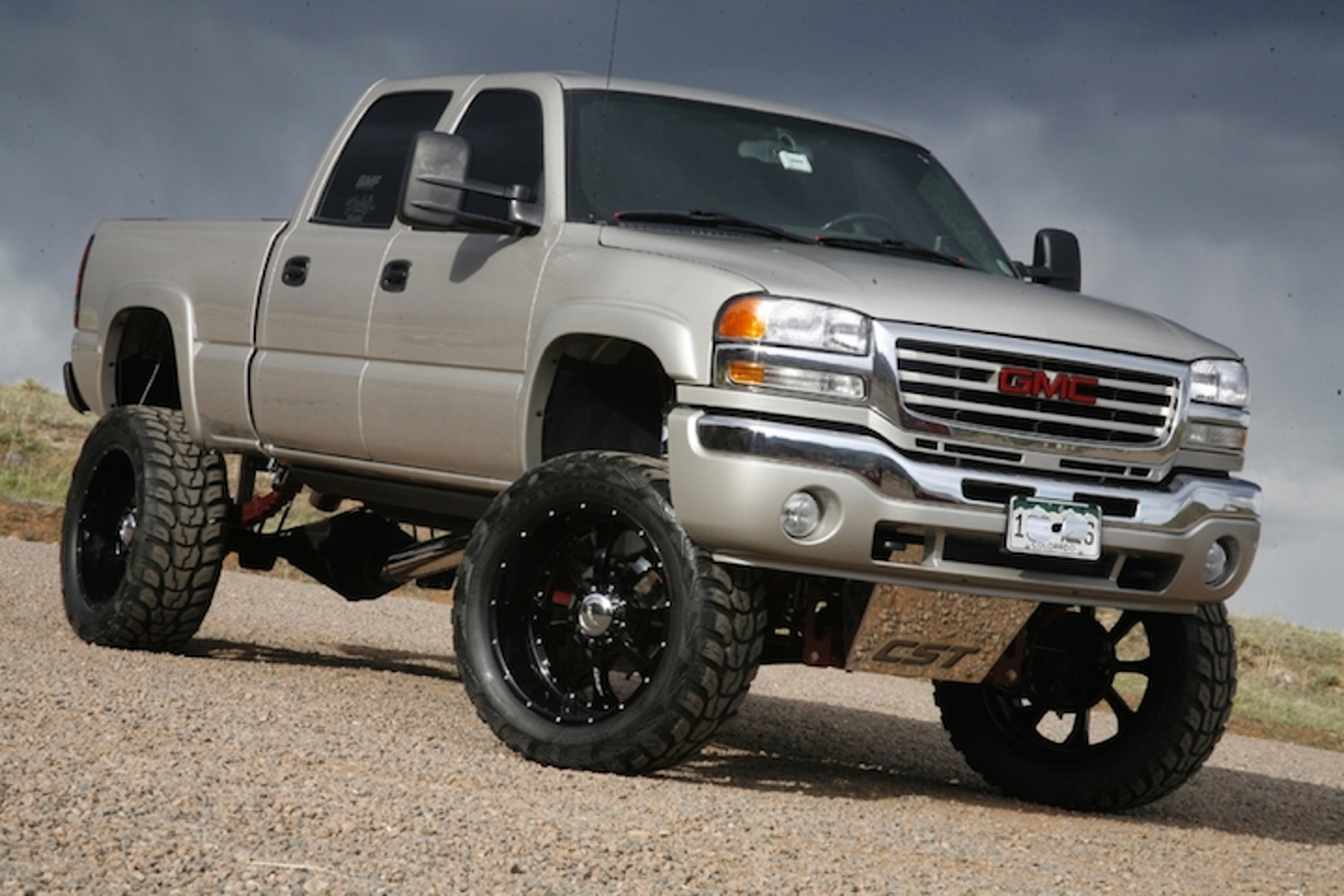 The Ins and Outs of Lifting Your Truck