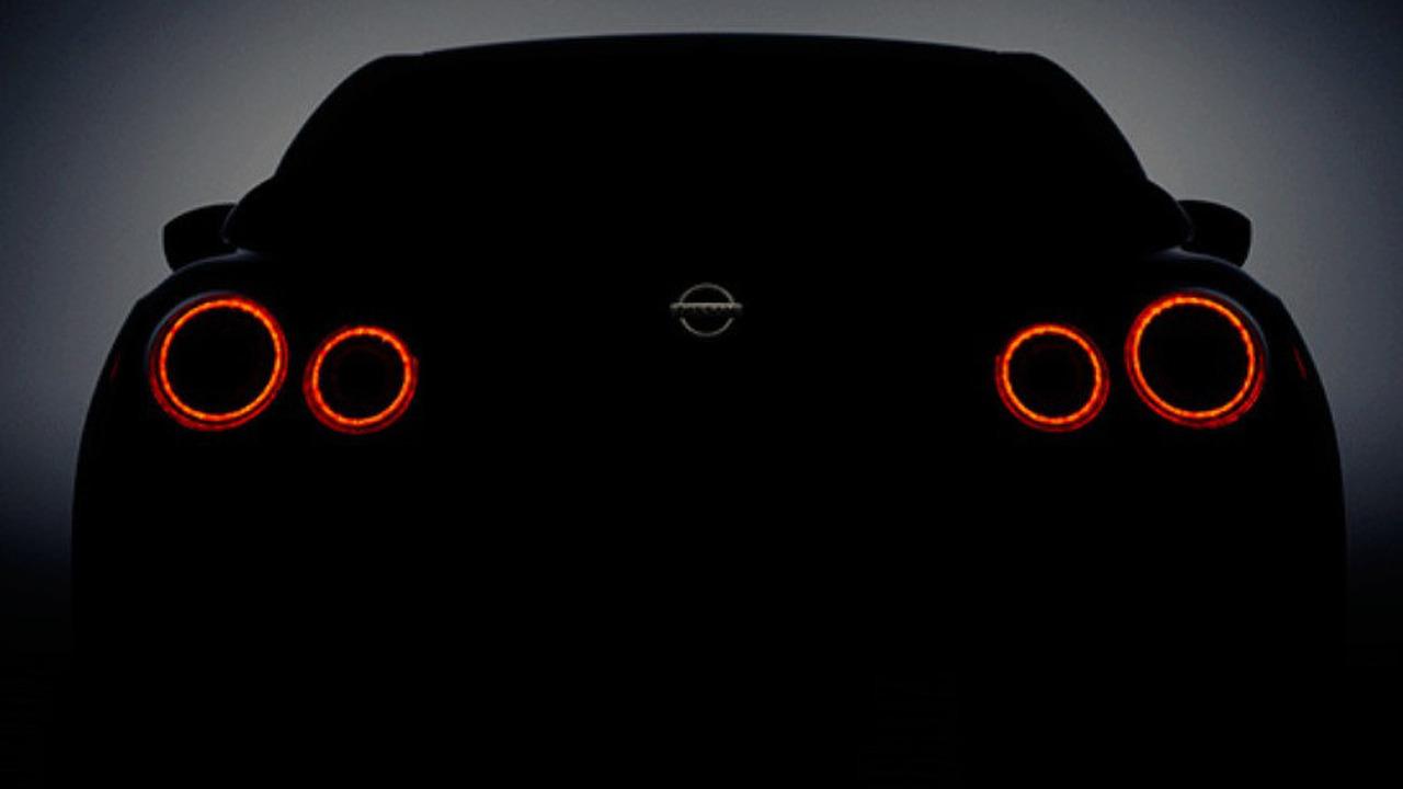 2017 Nissan GT-R teaser image