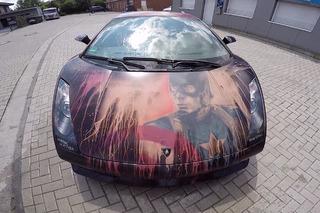 Watch A Lamborghini Gallardo Reveal a Hidden Paint Job