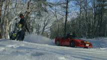 Ferrari F40 goes skiing