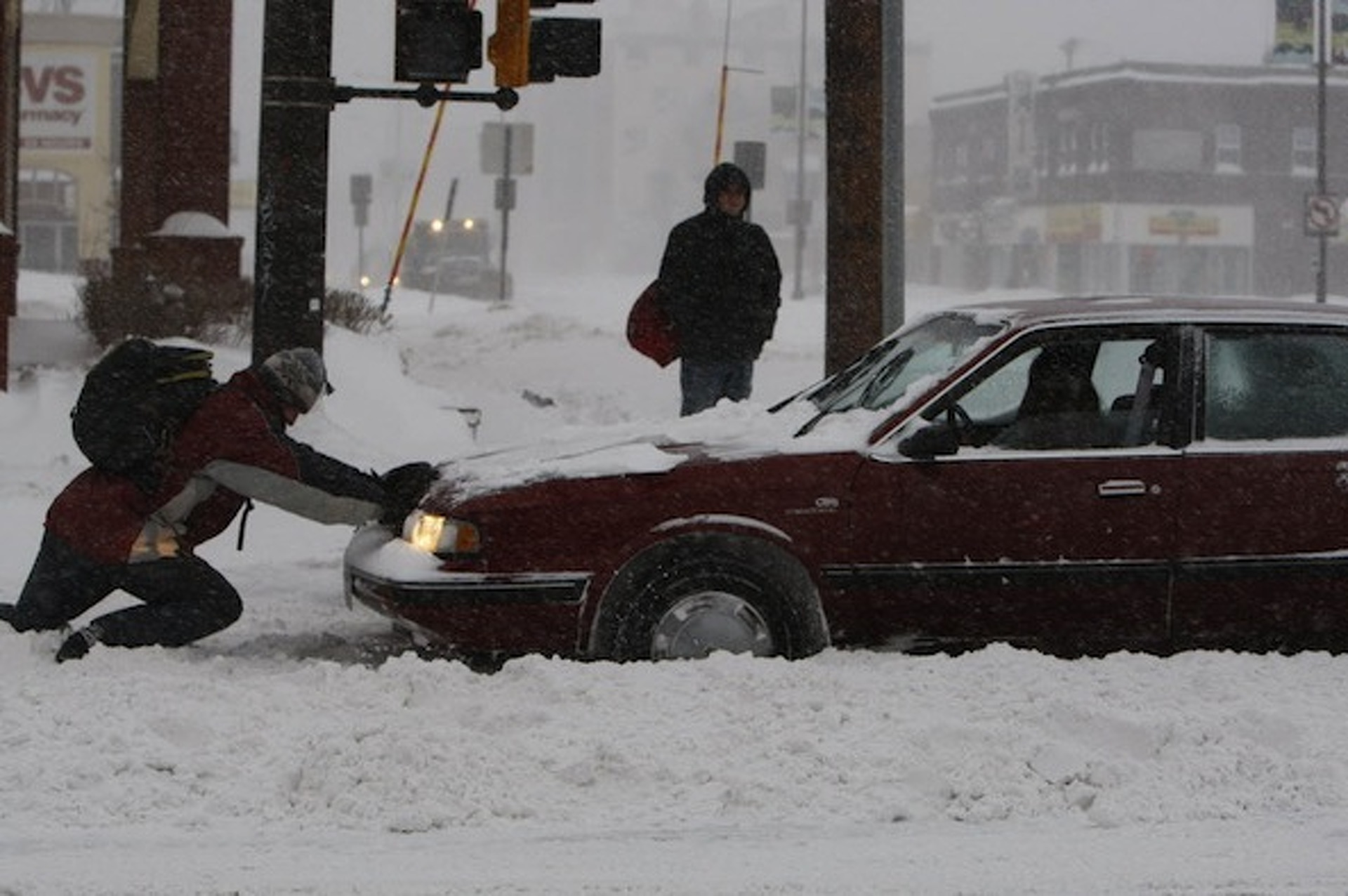 Minnesota, South Dakota Pounded by Heavy Snowfall; Over 600 Crashes Reported