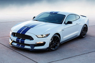Mustang Shelby GT350 Pumps Out More Power Than the Camaro Z/28