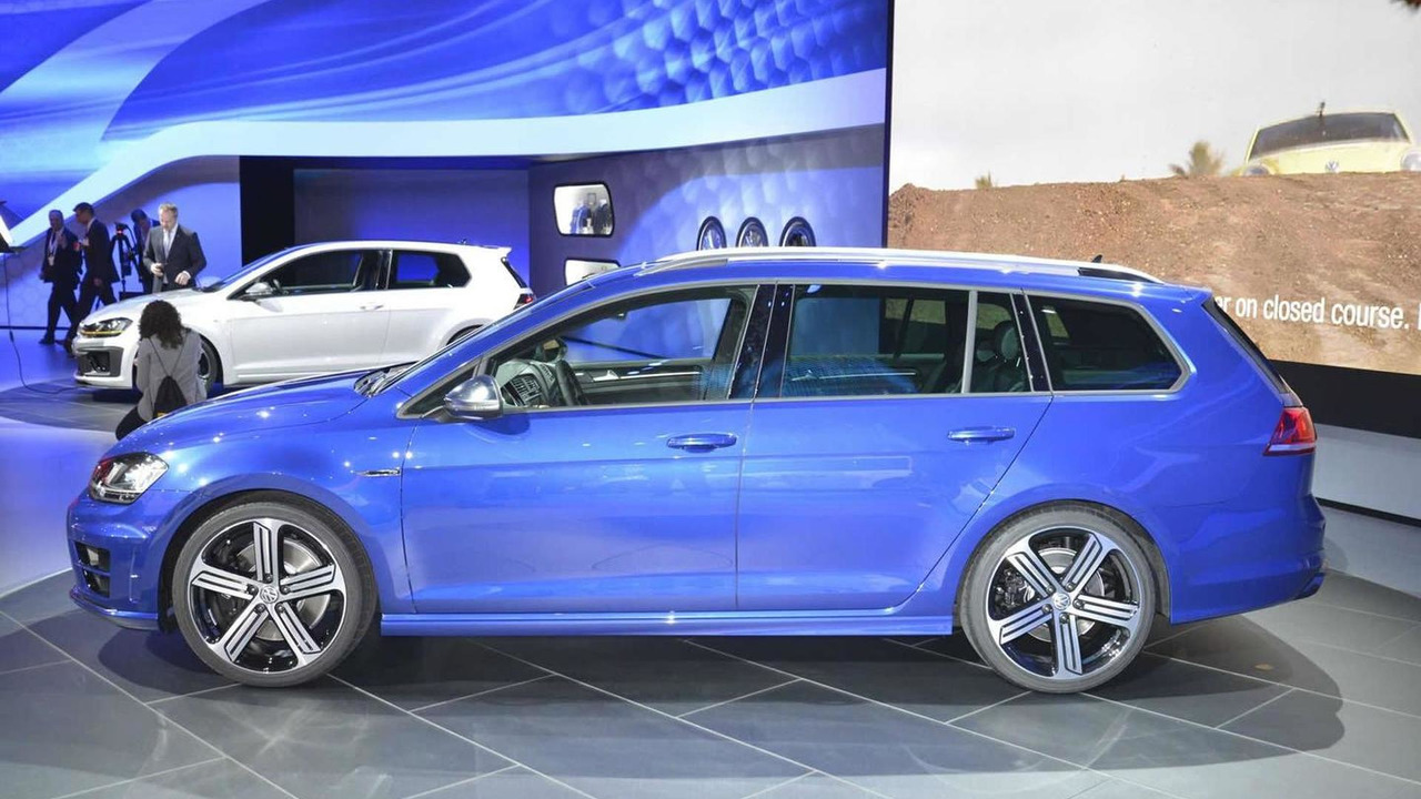 Volkswagen Golf R Variant at Los Angeles Auto Show