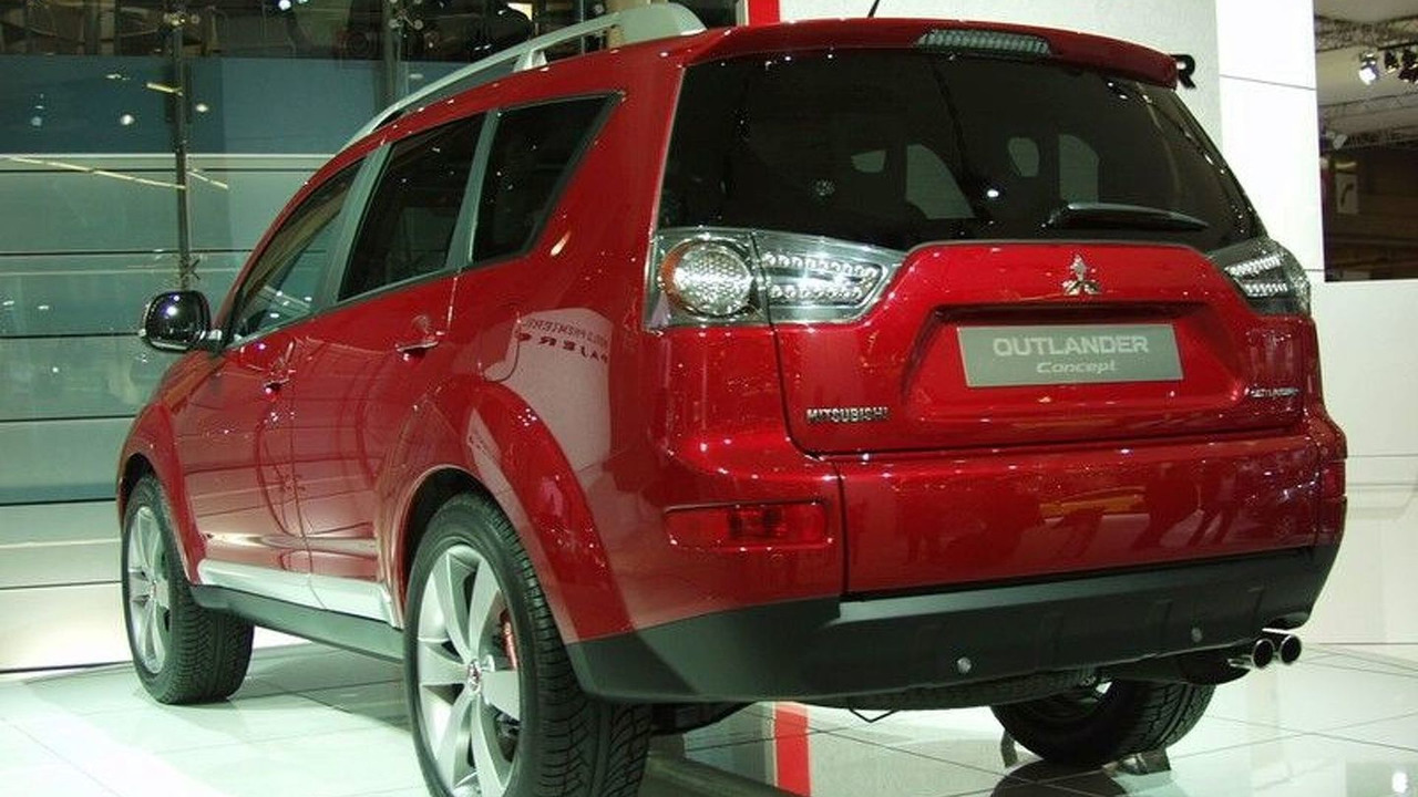 Mitsubishi Outlander Concept at Paris