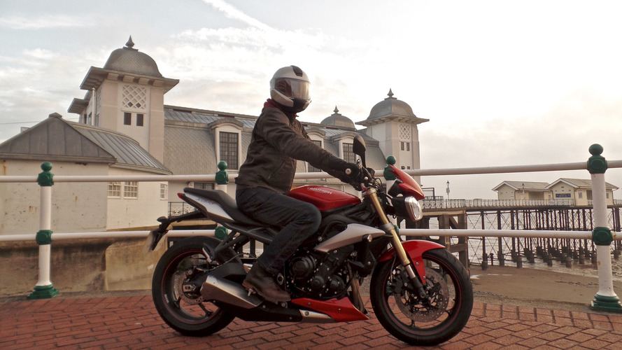 2016 Triumph Street Triple review