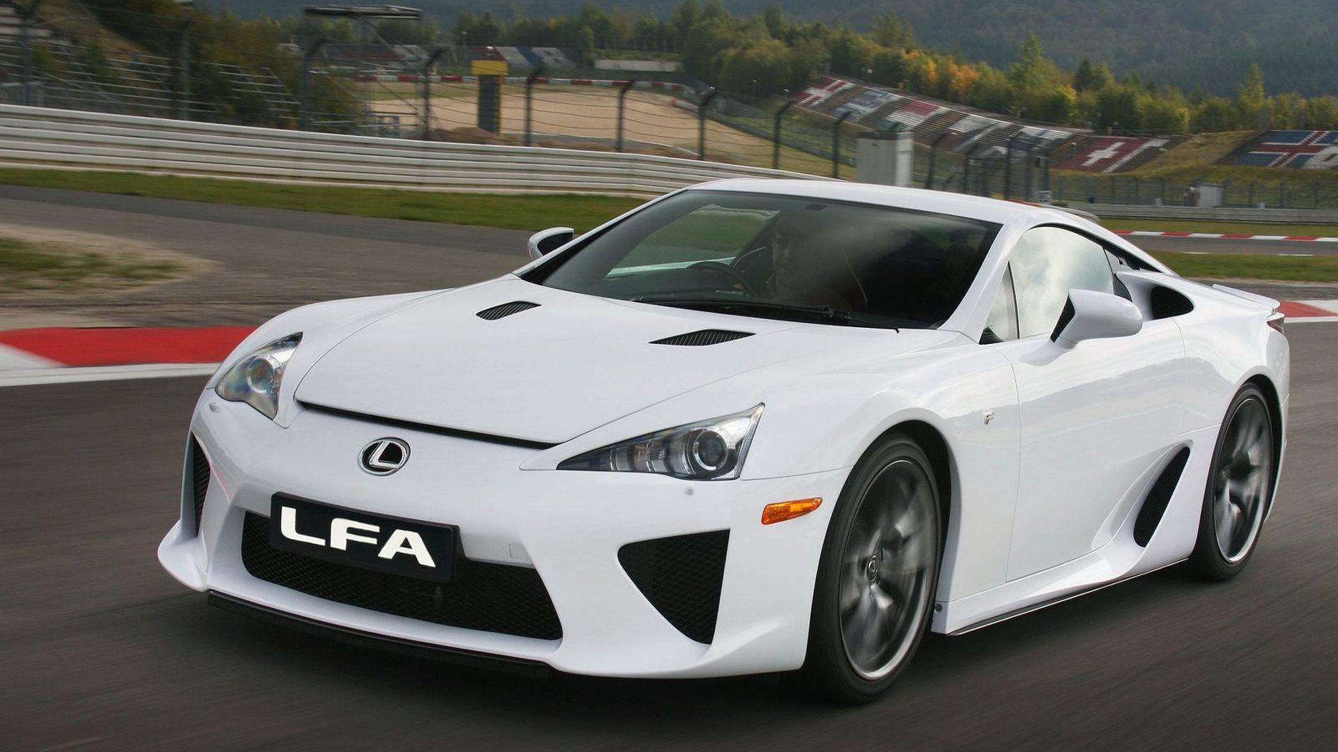Lexus LFA successor reportedly in the works with 800 bhp